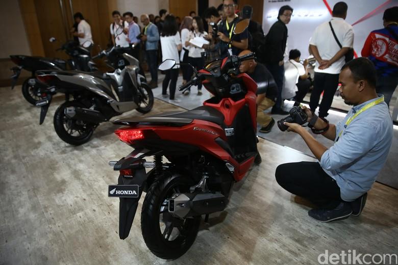 Orang Indonesia lebih pilih motor dengan desain bagus daripada fitur ABS. Foto: Agung Pambudhy