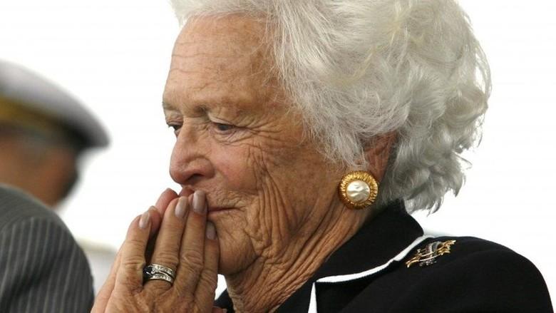 Sakit, Mantan Ibu Negara AS Barbara Bush Tolak Perawatan RS
