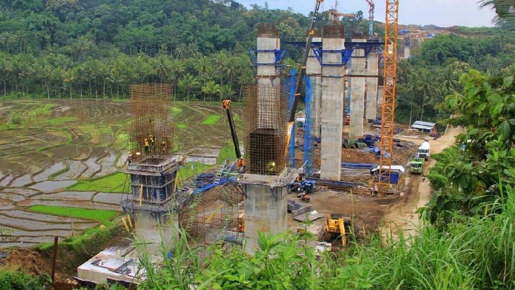Demi Rupiah, Jokowi Kaji Penundaan Beberapa Proyek Infrastruktur
