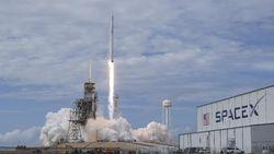 SpaceX Karantina Pegawai Setelah Satu Orang Positif Corona