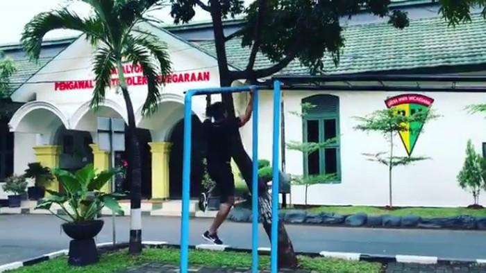 Sebagai Paspampres harus memiliki otot-otot yang kuat. Foto: Instagram/suhartono323