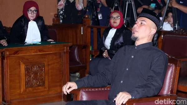 Merasa Benar, Ahmad Dhani Ajukan Eksepsi