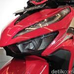 Adu Fitur Honda Vario vs Yamaha Lexi