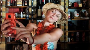 Mengapa Wanita Melakukan Selfie Seksi?