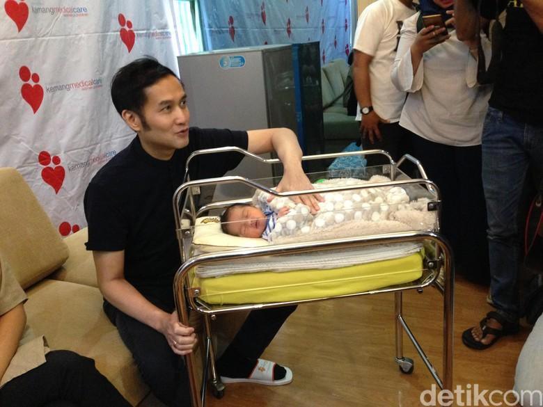 Lahirkan Anak ke-3, Ririn Dwi Ariyanti Jalani Operasi Caesar Lagi