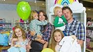 Momen Favorit Istri Jamie Oliver Saat Menjadi Ibu