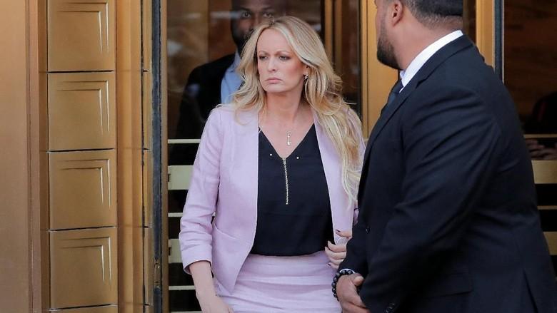 Eks Pengacara Akui Trump Beri Uang Tutup Mulut ke Bintang Porno