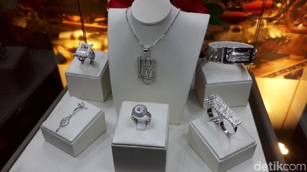 Perusahaan Ini Luncurkan Perhiasan Motif Batik hingga Komodo