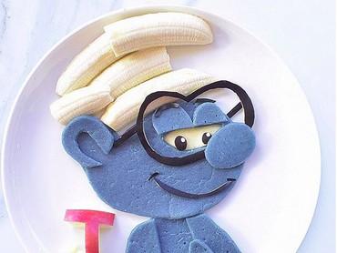 Pancake dan pisang ini bisa jadi tokoh Brainy Smurf. Keren banget! (Foto: Instagram/ @jacobs_food_diaries)