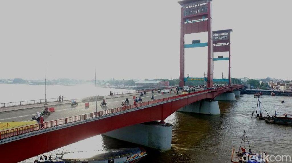 Jembatan Ampera Miliki 6 Ribu Titik Keretakan, Berbahayakah?
