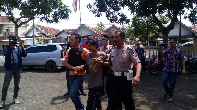 Polisi Masih Dalami Motif Pelaku Bacok Tetangga di Jember