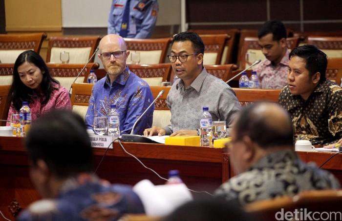 Facebook disidang DPR. Foto: Lamhot Aritonang