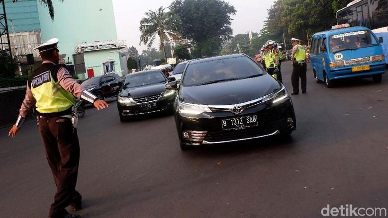 BPTJ: Ganjil-Genap Tetap Berlaku bagi Mobil Pejabat Pelat RF