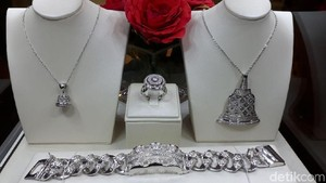 Mau Beli Perhiasan Motif Batik hingga Komodo? Ini Harganya