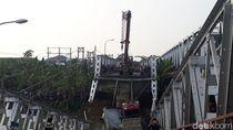 Ambrolnya Jembatan Widang dan Masalah Kelebihan Muatan