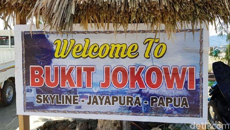 Foto: Bukit Jokowi, begitu nama destinasi wisata baru di Jayapura ini. Dari bukit ini, traveler bisa menyaksikan Jembatan Holtekamp yang diresmikan Presiden Jokowi beberapa waktu lalu. (Elvan/detikTravel)