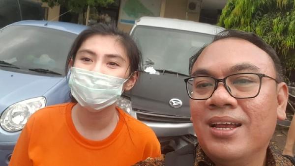 Bebas dari Bui Lalu Ditanya Utang Rp 12,1 Miliar, Angela Lee Bingung