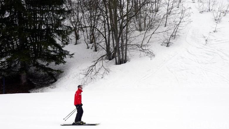 Ilustrasi main ski di Club Med Valmorel (Wahyu/detikTravel)