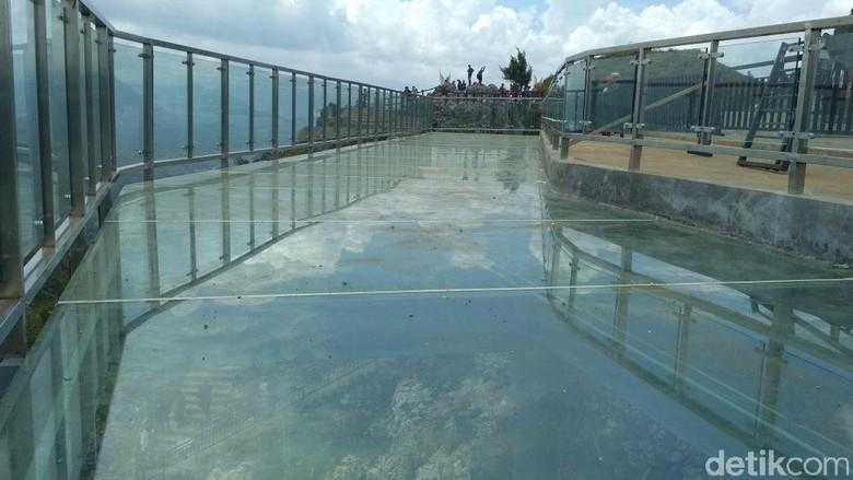 Jembatan kaca di Tana Toraja (Jaya Hartawan/detikTravel)