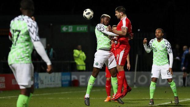 Timnas Nigeria dihuni perpaduan pemain senior dan junior.