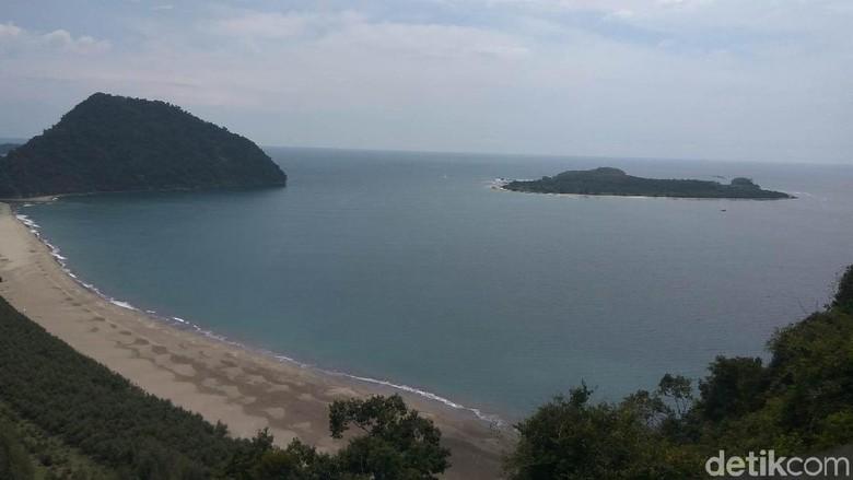 Panorama dari Puncak Gunung Geurutee (Agus/detikTravel)