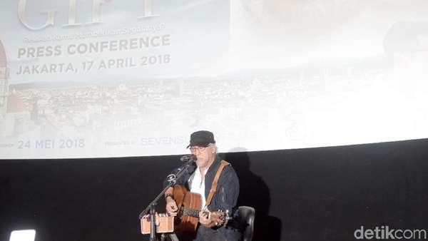 Tak Cuma Nyanyi, Iwan Fals juga Main di Film The Gift