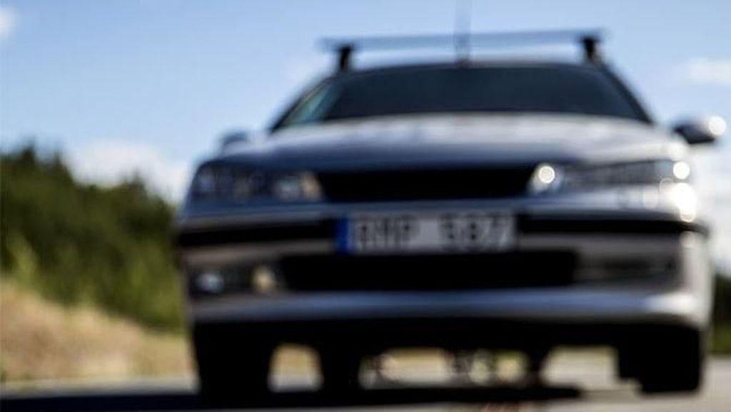 Keren, Jalanan Swedia Bisa Ngecas Kendaraan Listrik