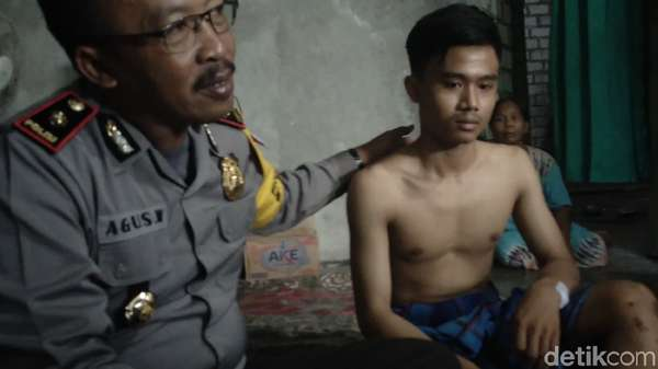 Cerita Mendebarkan Rizal, Pemotor yang Tercebur saat Jembatan Ambrol