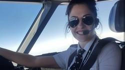 Emilie adalah seorang pilot wanita dari Kanada. Ia menarik perhatian karena selain cantik juga memiliki tubuh ideal berkat rajin olahraga.