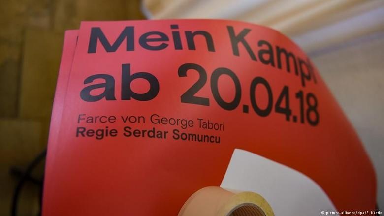 Di Jerman Bisa Nonton Teater Gratis Jika Mau Pakai Lambang Swastika