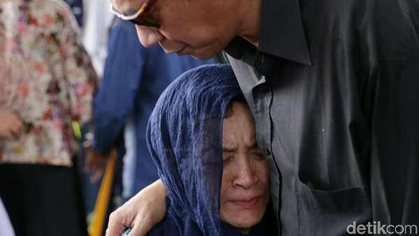 Peristirahatan Terakhir Deddy Sutomo, Si Pencari Hilal