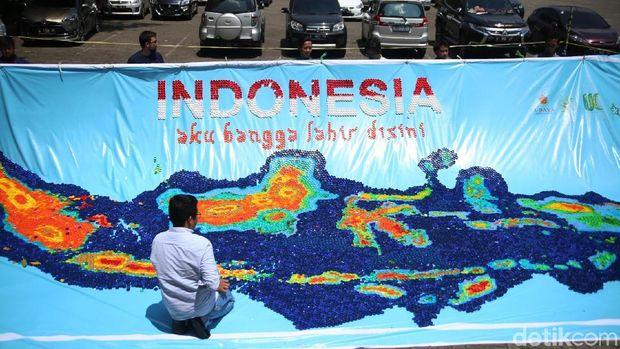 Coba Tebak Peta Indonesia Ini Tersusun Dari Apa?