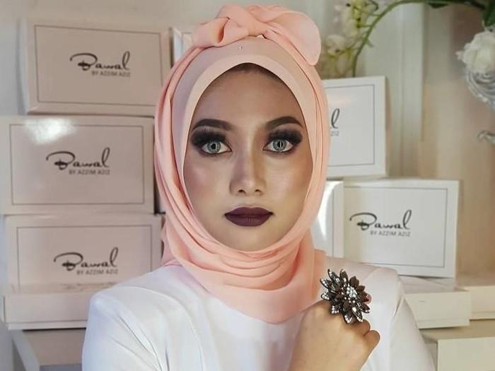 Hijab pocong yang viral dari Malaysia. Foto: Instagram @azzim_aziz