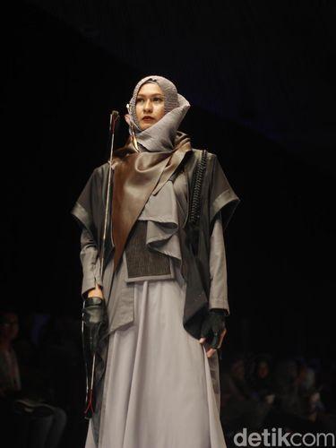 Fashion show siswi Islamic Fashion Institute di Muffest 2018.
