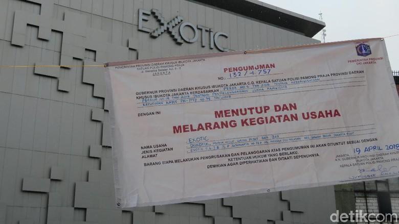Foto: Tamat, Diskotek Exotic Disegel Satpol PP