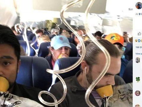 Situasi dalam kabin usai mesin pesawat Southwest Airlines meledak