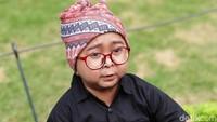 Ada juga Daus Mini yang tengah kecewa karena istrinya, Rahandini meminta cerai di usia pernikahan yang baru sebulan. (Palevi S/detikHOT)