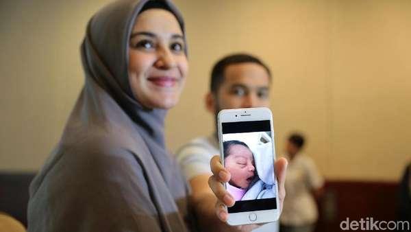 Cerita Prosesi Kelahiran Anak Ke-3 Shireen Sungkar dan Teuku Wisnu