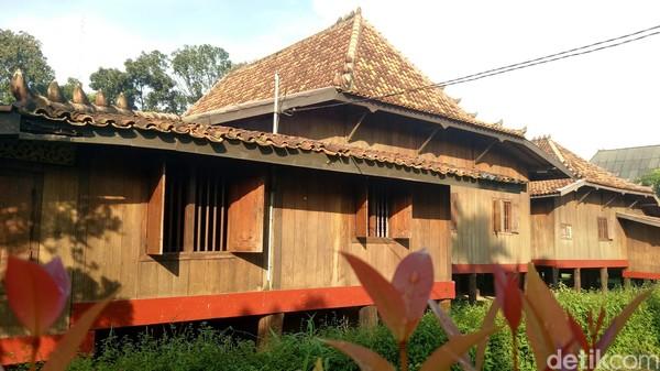 Saat memasuki bagian dalam bangunan, terlihat kondisi bangunan masih berdiri kokoh. Setiap pengunjung yang datang akan dipandu oleh pamong di museum. (Raja Adil Siregar/detikTravel)