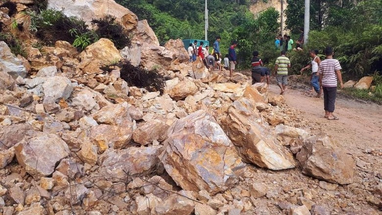 Pascalongsor di Jalur Riau-Sumbar, Lalin Sudah Bisa Dilalui