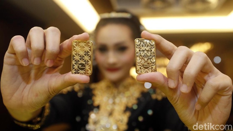 Emas batangan/ Foto: Rachman Haryanto