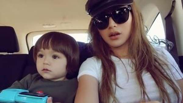 Jessica Iskandar Tulis Mom and Daughter Time, Salah Sebut?