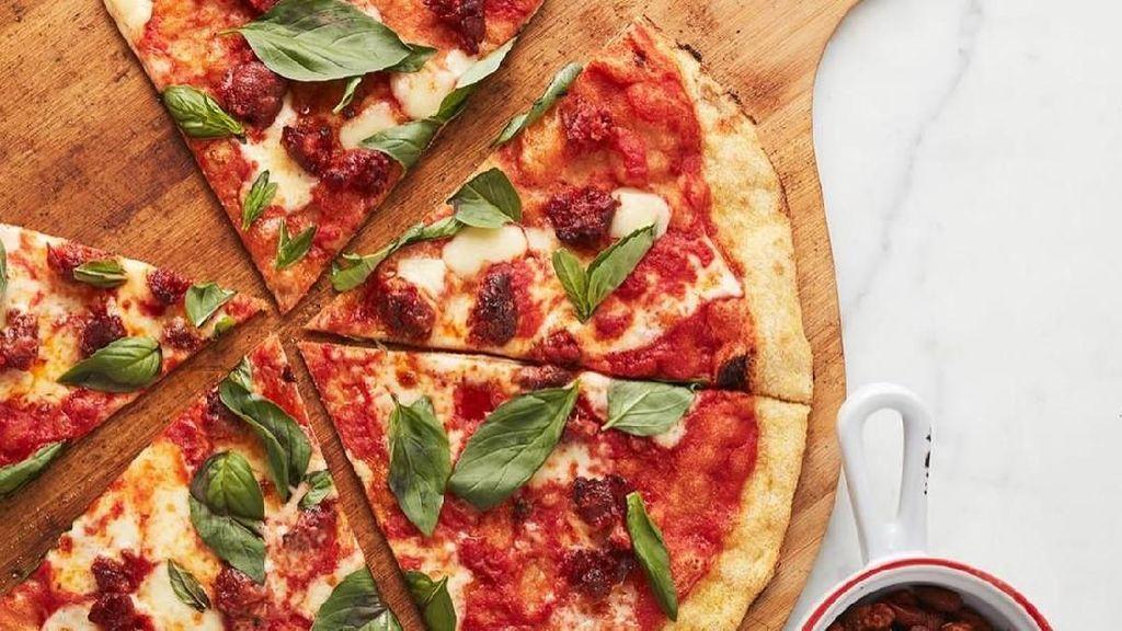 Ini Dia Pizza Rat, Tikus yang Sedang Viral Karena Menyeret Sepotong Pizza