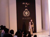 Sentuhan Kekinian Mel Ahyar di Koleksi Batik Warisan Iwan Tirta