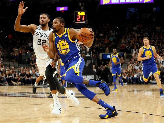Golden State Warriors ungguli San Antonio Spurs 3-0. (Foto: Soobum Im-USA TODAY Sports)