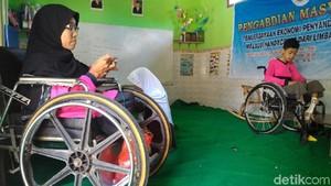 Titik Isnani, Difabel di Boyolali Berjuang Demi Raih Pendidikan