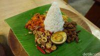 Nasi Pantura yang enak dengan paduan lauk sedap.