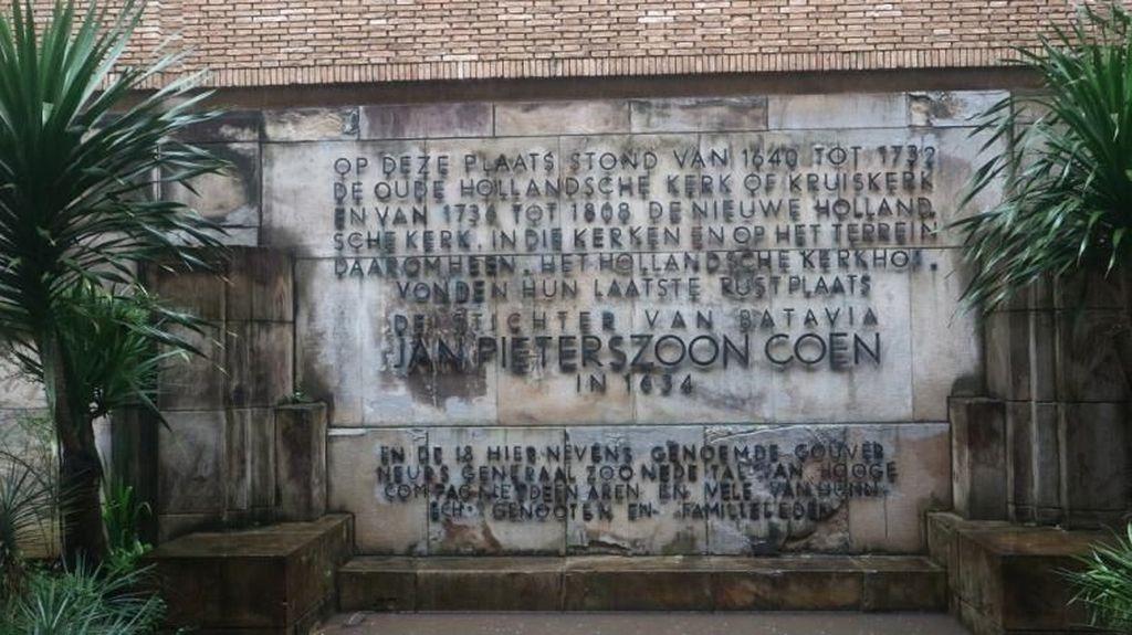Museum Wayang dan Kuburan Belanda