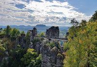 Pemandangan di Tebing Bastei (pavel.vlcek/ Instagram)