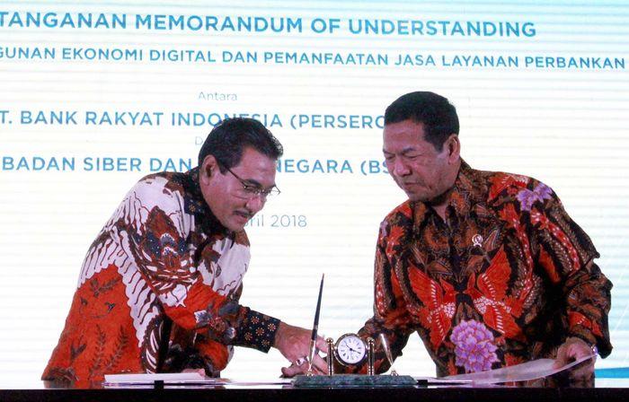 Melalui kerjasama ini, Bank BRI menjadi bank pertama di Indonesia yang akan menggunakan sertifikat elektronik (digital signature) sebagai solusi atas kebutuhan pengesahan dokumen pembukaan rekening maupun layanan perbankan lainnya. Foto: dok BRI